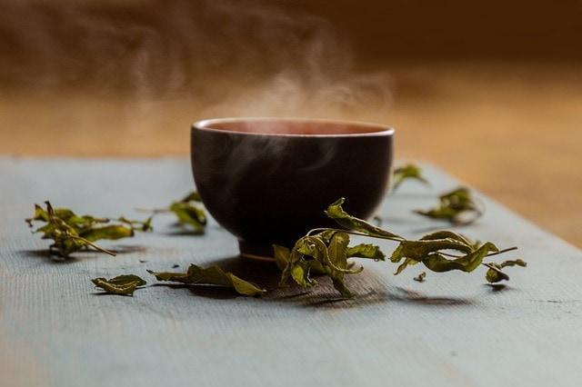 Grüner Tee hilft Gewicht zu verlieren